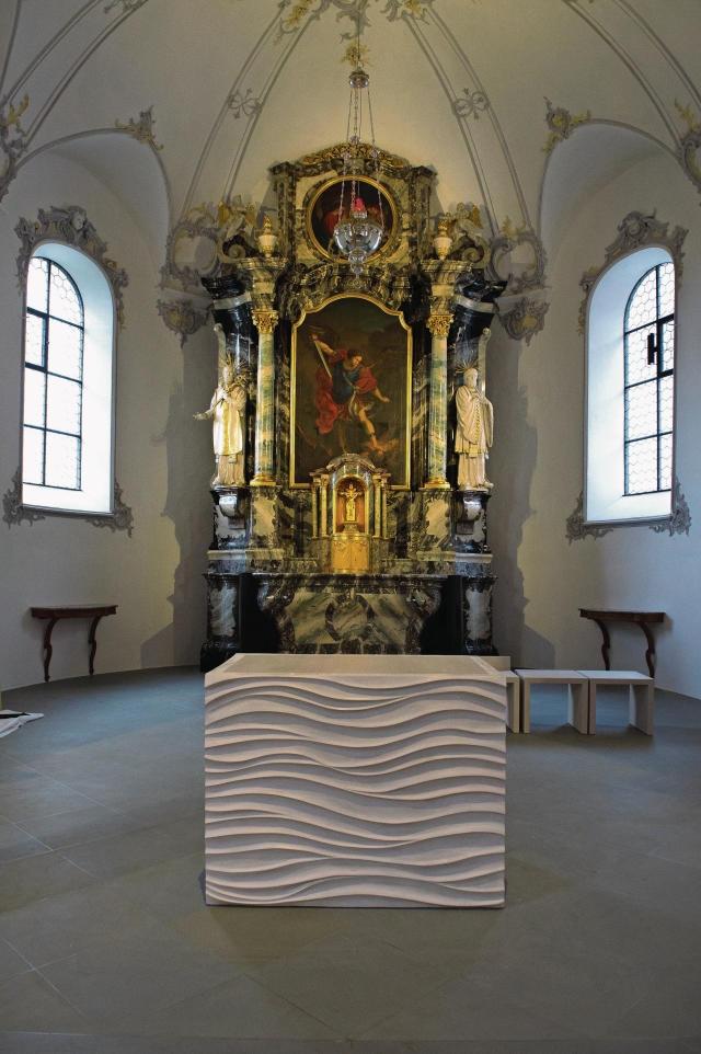 Johanneskirche Hohenrain - Altar aus Stuck